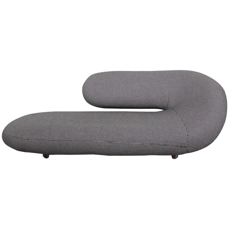 Special artifort pied de poule cleopatra chaise longue for Artifort chaise longue