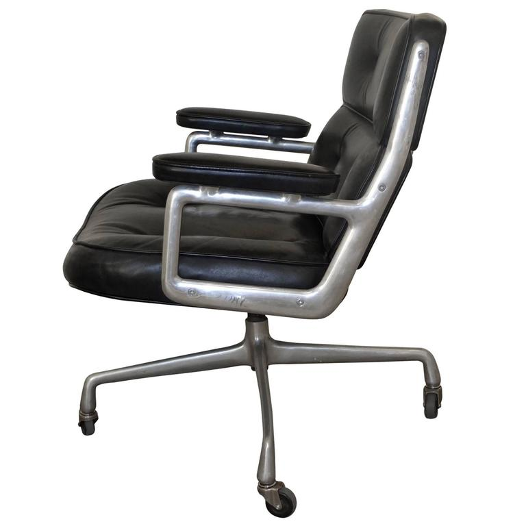 1960s time life lobby chair by charles eames for herman miller for sale at 1stdibs. Black Bedroom Furniture Sets. Home Design Ideas