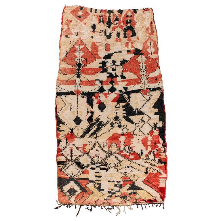 Vintage Moroccan Berber tapestry / rug