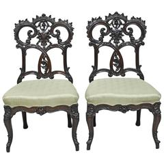 Fine Pair of Early 19th Century American Rococo Revival Chairs in Mahogany