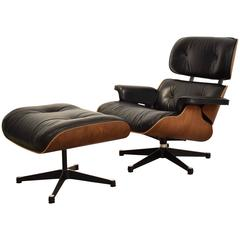 1970s Eames Lounge Chair with Ottoman in Rosewood with Black Leather