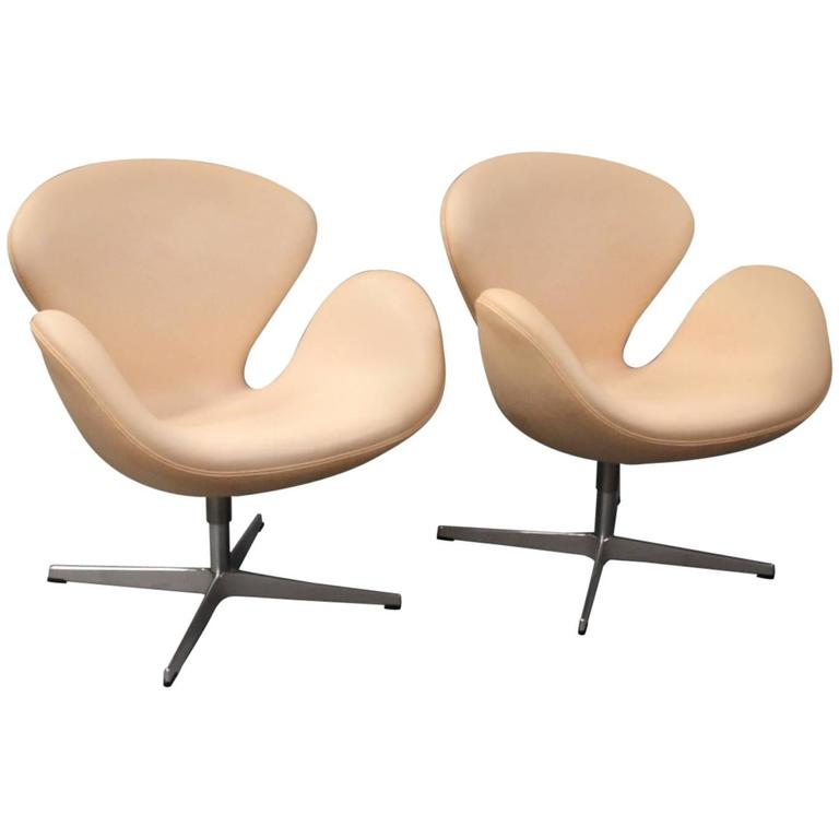 Swan Chair, Model 3320, by Arne Jacobsen and Fritz Hansen, 2013