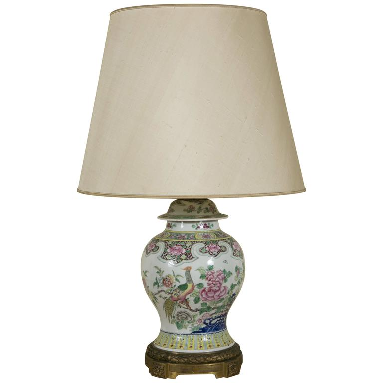 19th Century Chinese Jar with Cover Lamp Monted on Gilt Bronze Base