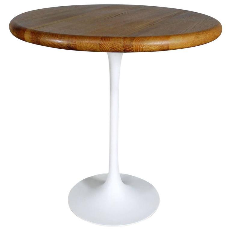 Vintage Mid Century Modern Saarinen Style White Tulip Base Oak Top Table  For Sale