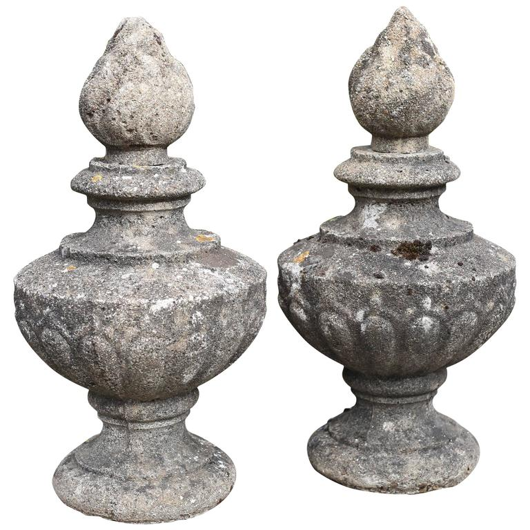 18th Century French Pot a Feu Stone Finials, circa 1770-1800 1