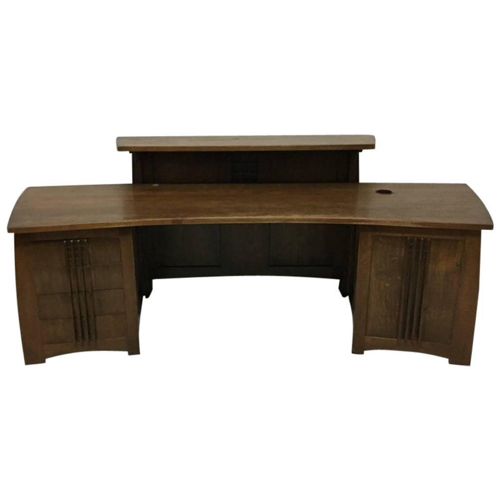Custom-Made Oak Desk in the Style of Charles Rennie Mackintosh