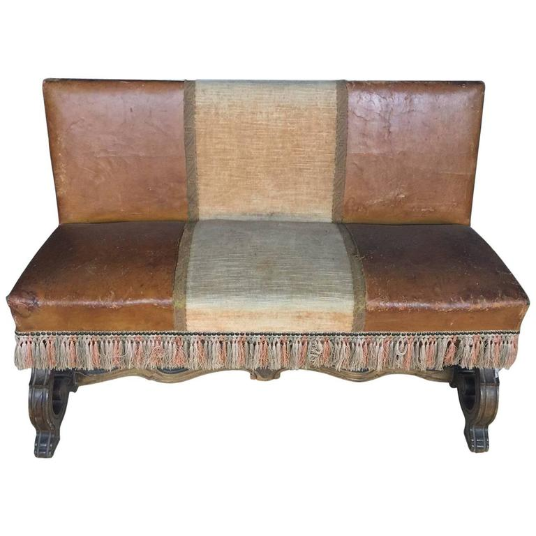 Petite Spanish Leather Walnut Bench with Fringe, Late 19th Century For Sale