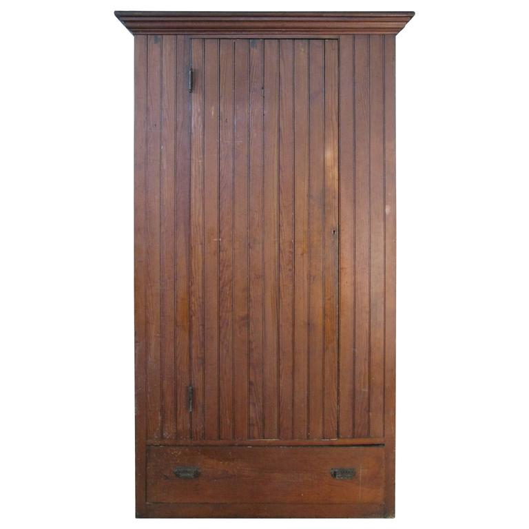 Antique oak beadboard cupboard for sale at 1stdibs for Beadboard kitchen cabinets for sale
