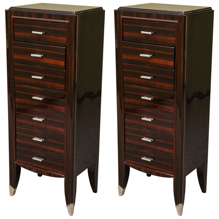French Art Deco Chest of Drawers from Macassar wood For Sale