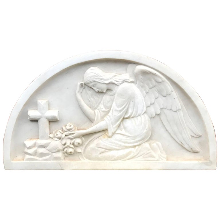 Early 1900 Fine Hand Crafted Marble Wall Plaque with Sculpture of Grieving Angel For Sale