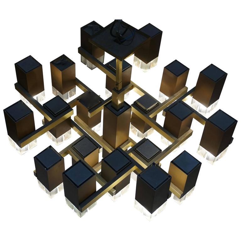 Pristine Sciolari 20 Cubic Lacquered Brass Chandelier, 1970s, Italia For Sale