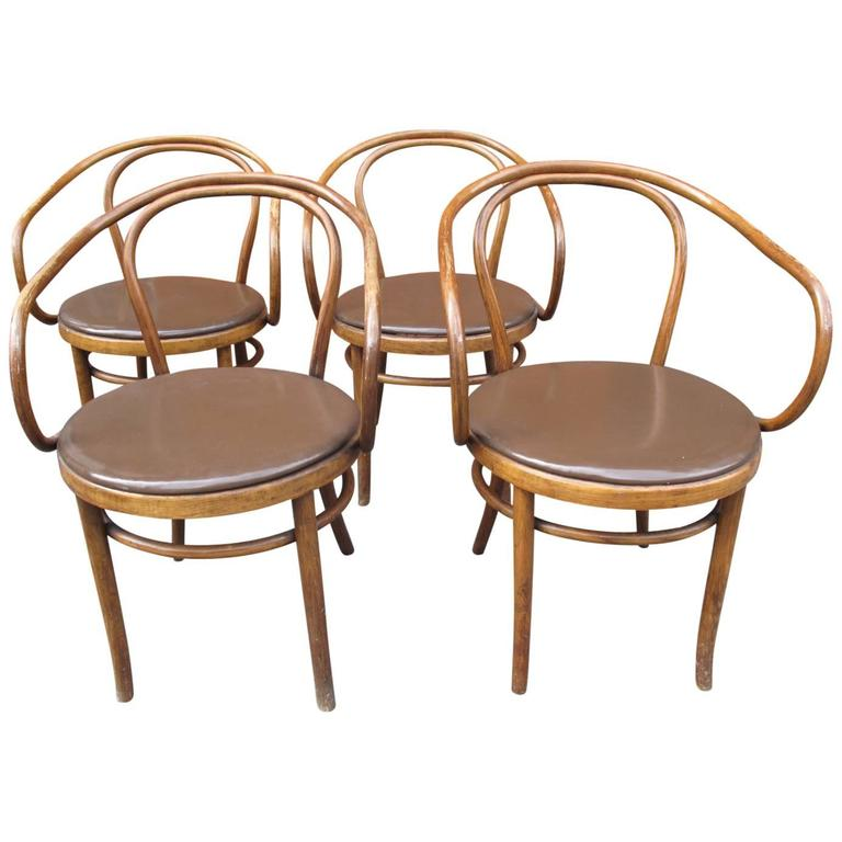 Four Thonet 209 Chairs 1