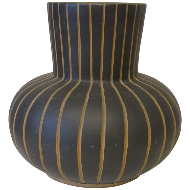 Modernist Styled Contex Mexican Art Pottery Vase At 1stdibs
