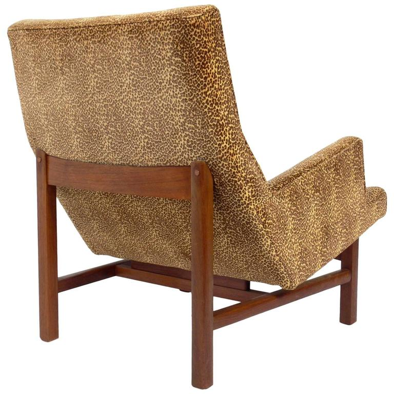 Mid-Century Modern Walnut Lounge Chair by Jens Risom