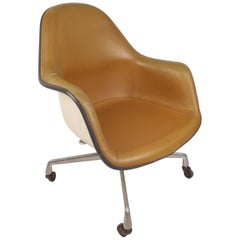Mid-Century Modern Herman Miller Shell Desk Chair