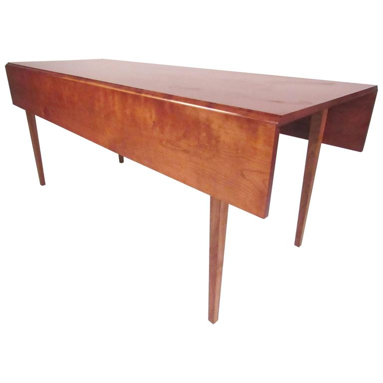 Vintage American Cherrywood Drop Leaf Table For Sale at  : 6567973l from www.1stdibs.com size 768 x 768 jpeg 21kB