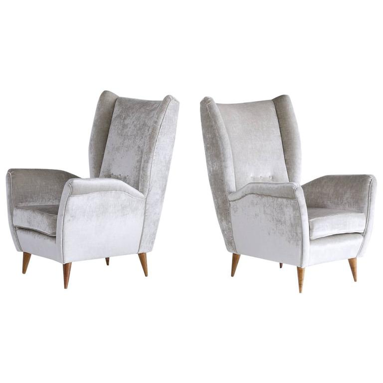 Gio Ponti Pair of High Back Armchairs in Silver Gray Velvet For Sale