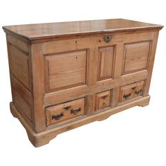 Large Georgian Three-Drawer Pine Mule Chest