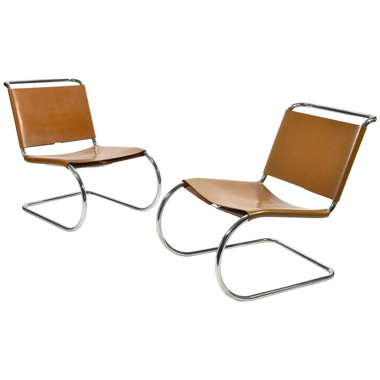mies van der rohe pair of mr lounge chairs for sale at 1stdibs. Black Bedroom Furniture Sets. Home Design Ideas