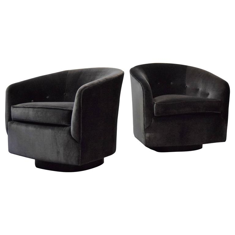 Beautiful Pair Of Milo Baughman Swivel Chairs For Directional 1