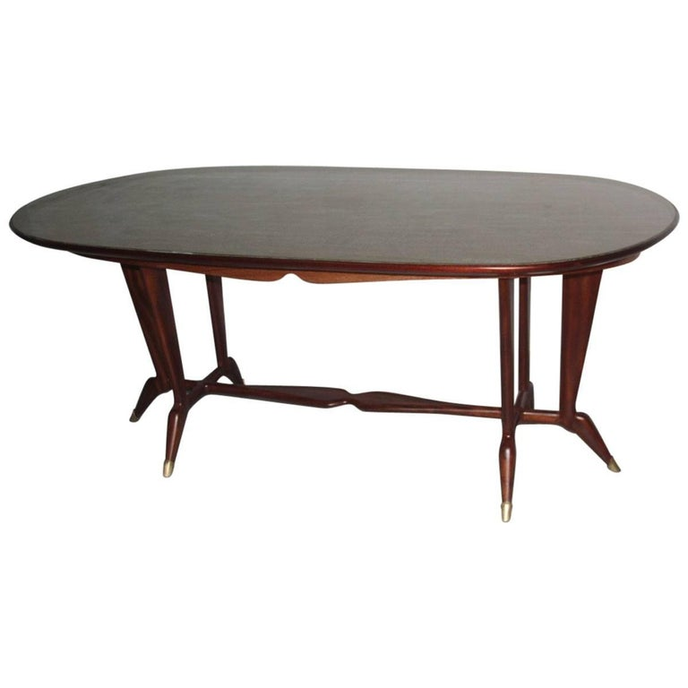 Elegant Oval Dining Table Mid-Century Italian Design For Sale