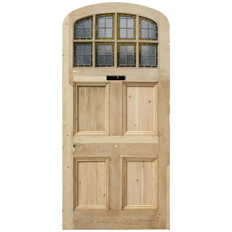 Superbe Late 19th Century Arched Pine Front Door With Stained Glass For Sale