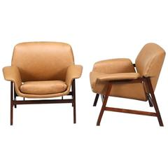 Pair of Gianfranco Frattini Model 849 Leather Lounge Chairs by Cassina