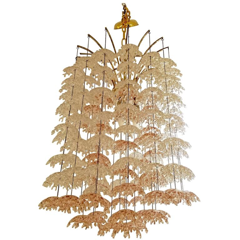 Unique Italian Mid-Century Murano Clear and Blush Cascading Chandelier For Sale