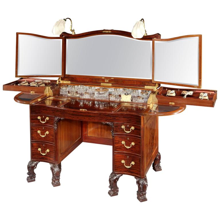 Rare 20th Century Mahogany Dressing Table with Electrical Lights For Sale