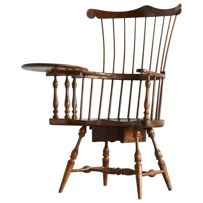 Antique Comb-Back Writing Arm Windsor Chair 1 - Antique Comb-Back Writing Arm Windsor Chair For Sale At 1stdibs