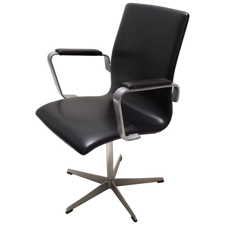 Oxford Desk Chair by Arne Jacobsen for Fritz Hansen Denmark circa 1975 For Sale  sc 1 st  1stDibs & Oxford Desk Chair by Arne Jacobsen for Fritz Hansen Denmark circa ...