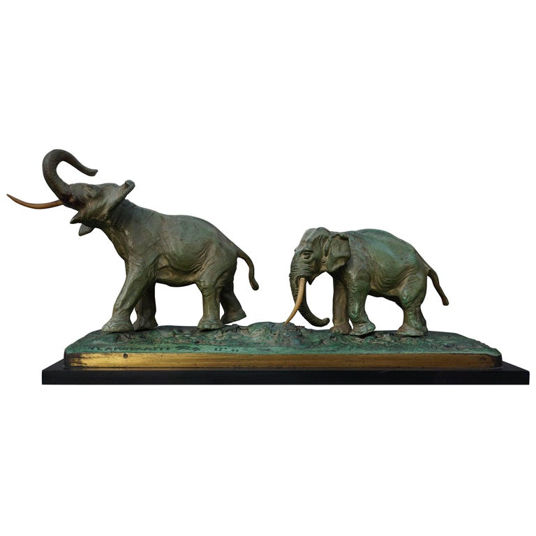 Early 20th Century Bronze Sculpture of Elephants For Sale