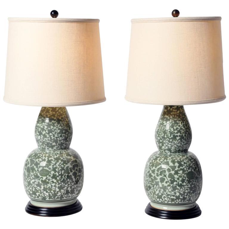 Floral Motif Double Gourd Form Vase Table Lamp