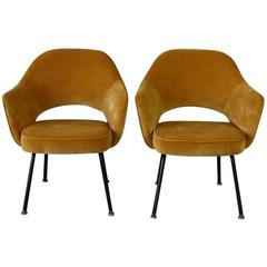 Set of Two Saarinen Executive Side Chairs, Knoll International