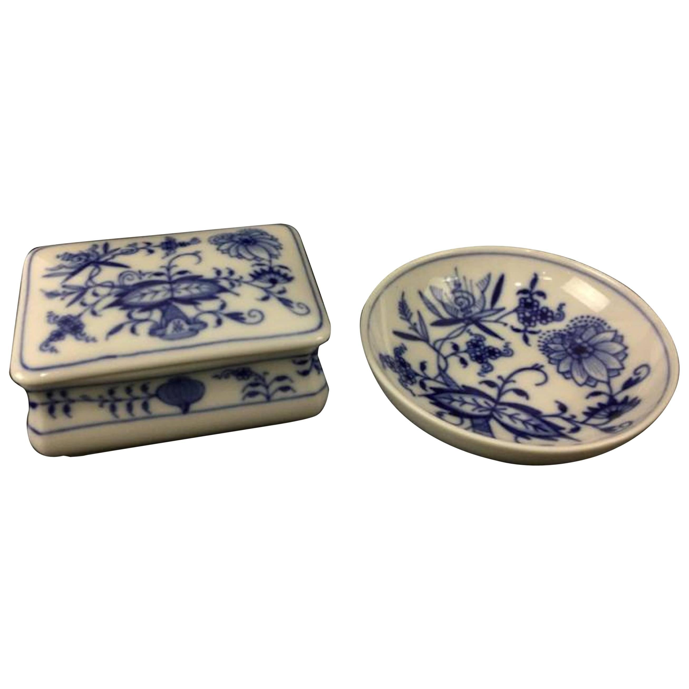 19th Century Meissen Onion Pattern Trinket Box and Dish