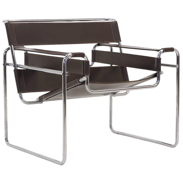 Superbe Early Original Knoll Gavina Wassily Chair By Marcel Breuer In Brown Leather  For Sale