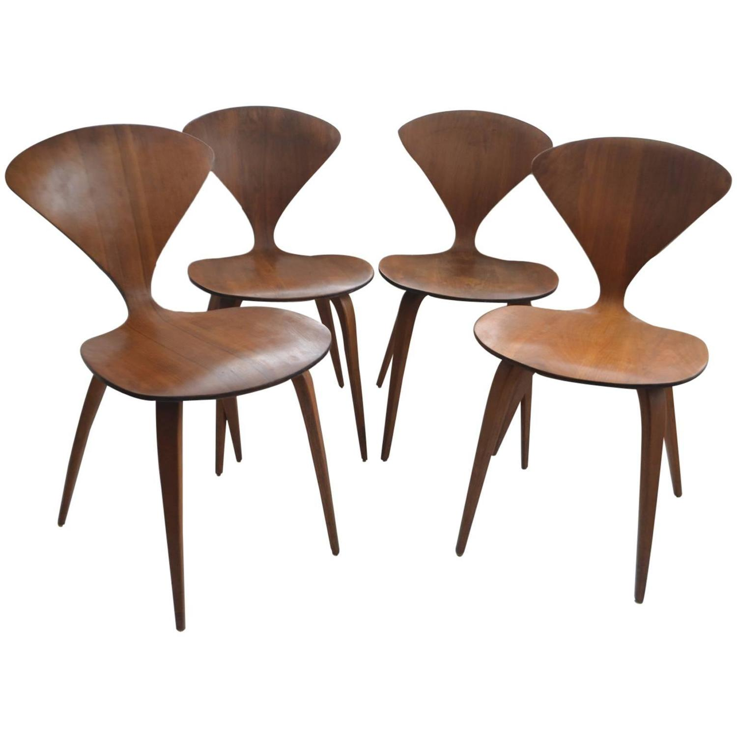 Set Of Four Vintage Plywood And Walnut Chairs By Norman Cherner For  Plycraft At 1stdibs