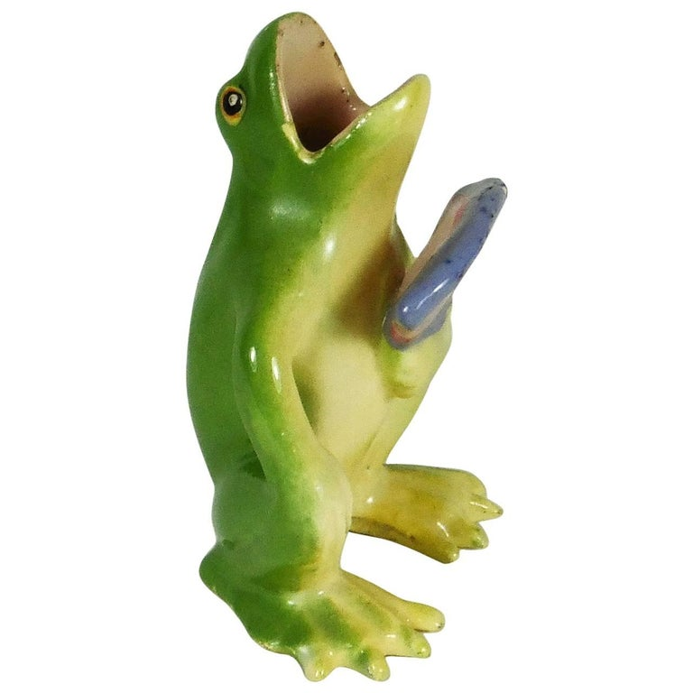 Majolica Frog with Fan Jerome Massier, circa 1900 For Sale