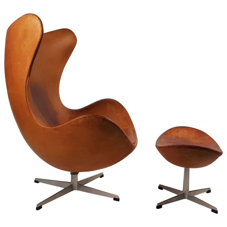 to arne jacobsen cognac leather egg chair and ottoman for fritz hansen. Black Bedroom Furniture Sets. Home Design Ideas