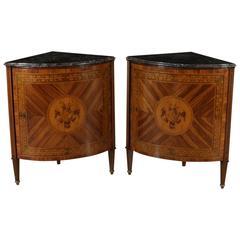 Pair of Late 18th Century Neoclassical Italian Corner Cabinets Genova