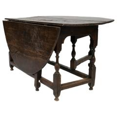 Early Georgian Drop-Leaf Oak Table with Turned Legs, circa 1750