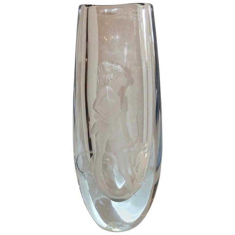 Beautiful Vintage Signed Strombergshyttan Huntress Crystal Vase