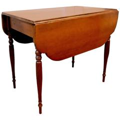 Early 19th Century American Sheraton Maple Drop Leaf Table