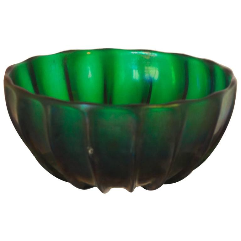 Archimede Seguso Signed Bowl, Green Glass with Iridescence, Serenella 18 Green