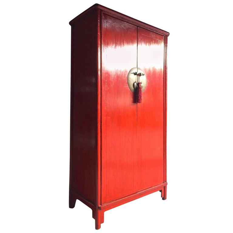 Merveilleux Antique Style Chinese Wardrobe Armoire Red Lacquered Oriental Shan Xi For  Sale