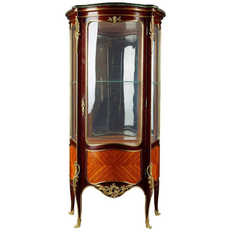 20th century louis xv style french vitrine for sale at 1stdibs. Black Bedroom Furniture Sets. Home Design Ideas