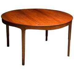 Ole Wanscher's Elegant Brazilian Rosewood Circular Sofa Table with Curved Apron