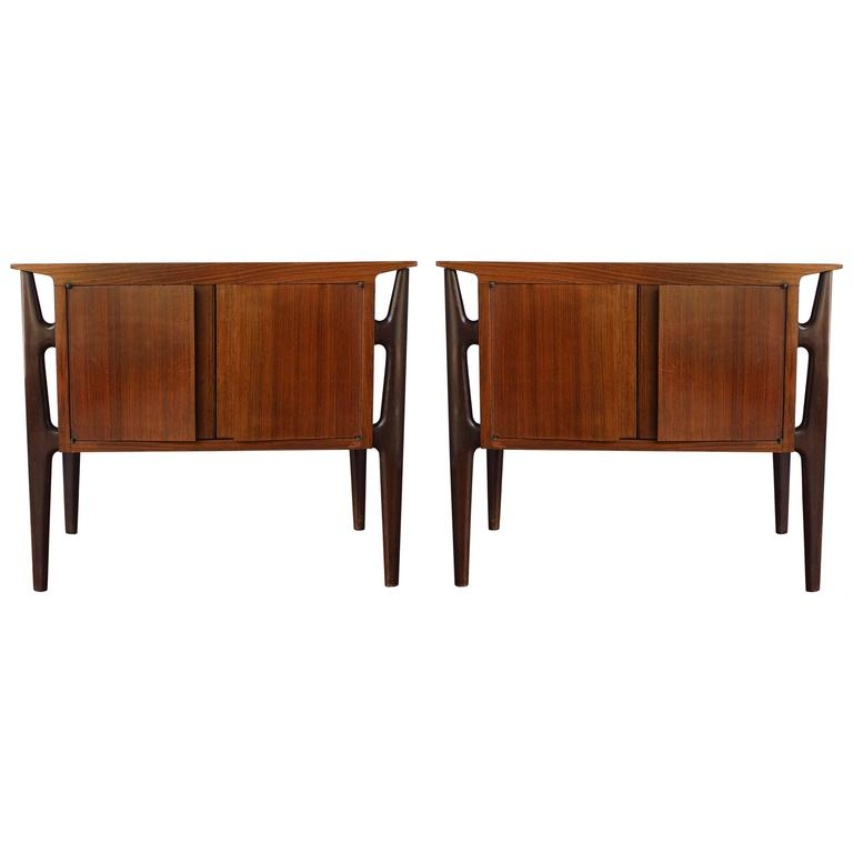 Pair of Mid-Century Italian Nightstands 1