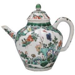 Fine Chinese Famille Verte Porcelain Teapot