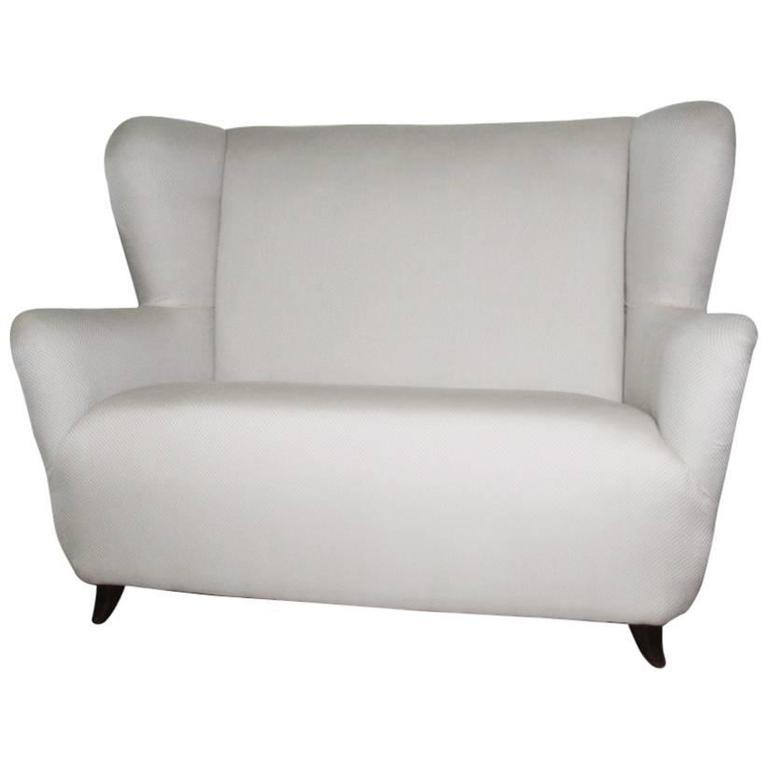 Elegant Small Sofa Guglielmo Ulrich Attributed For Sale